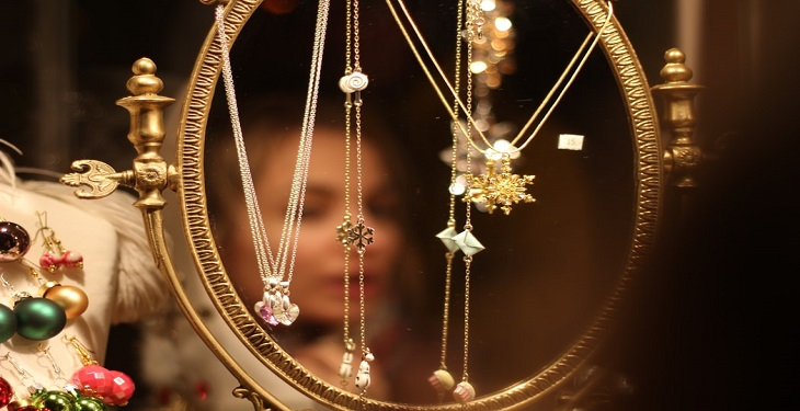 choose-the-most-beautiful-neckles-for-party