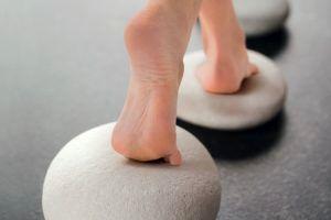 پرسش های ضروری که باید در زمان ارزیابی بیمار مبتلا به زخم پا پرسیده شود، چیست؟