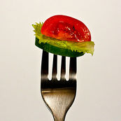 کمتر بخورید تا بیشتر عمر کنید