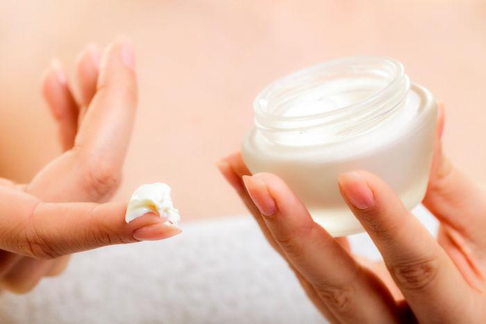 طرز تهیه و مصرف کرم تقویت کننده پوست