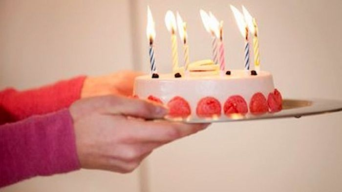 شوخی بی جا جشن تولد را به حادثه ای دردناک تبدیل کرد +عکس