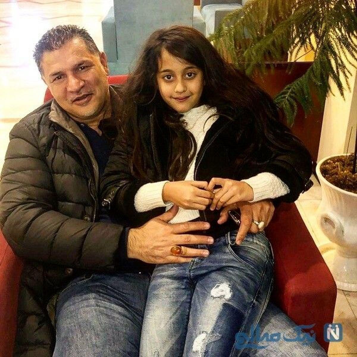 اخراج کارمند بیمارستان به دلیل عکس گرفتن با علی دایی | تصاویر علی دایی