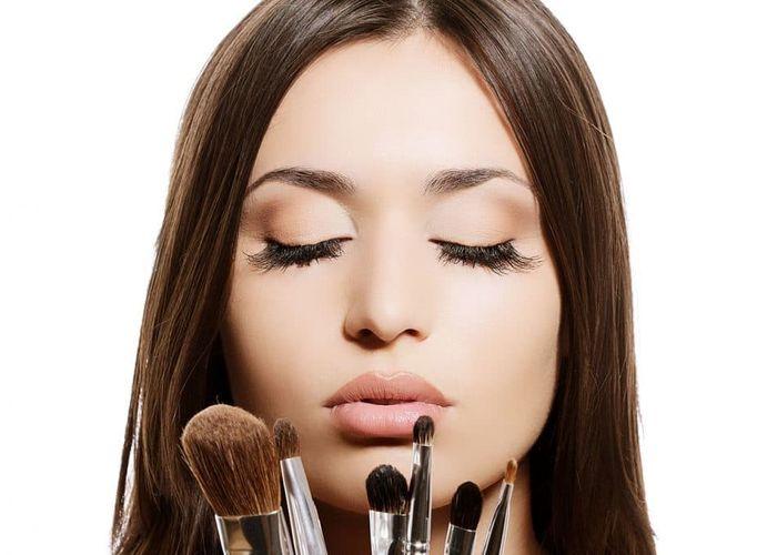 هفت ترفند آرایشی ساده برای زیباتر دیده شدن در عکسها
