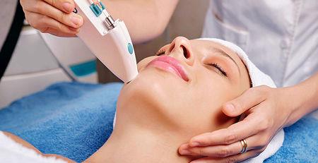 ترمیم پوست با روش لیزرتراپی