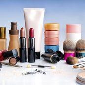 اثرات منفی استفاده روزانه از لوازم آرایش(۱)