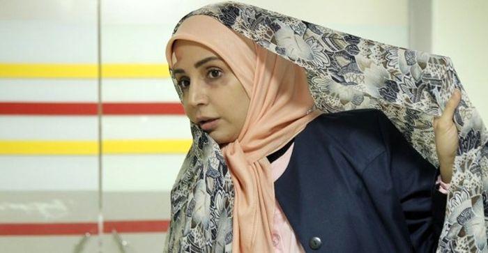 شبنم قلی خانی با آرایش غلیظ در پارک + عکس