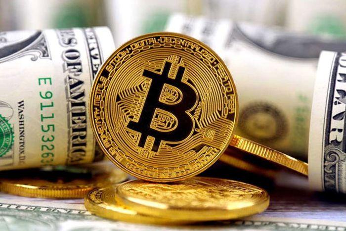 فوری| بیت کوین و دلار در آستانه سقوط
