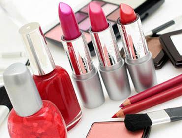 برای آرایشی زیبا، چه وسایلی مورد نیاز است؟