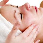 چگونه پوست صورت خود را در منزل پاکسازی کنید؟