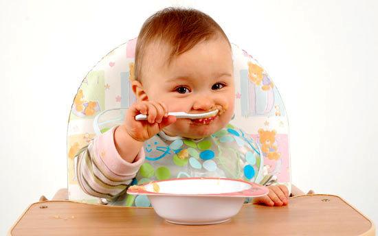 آیا استفاده از تغذیه کمکی به کودکان کار درستی است؟