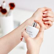 ترفندهای افزایش ماندگاری عطر روی پوست