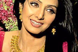 علت مرگ سری دیوی بازیگر محبوب هند وعکس همسر و فرزندانش