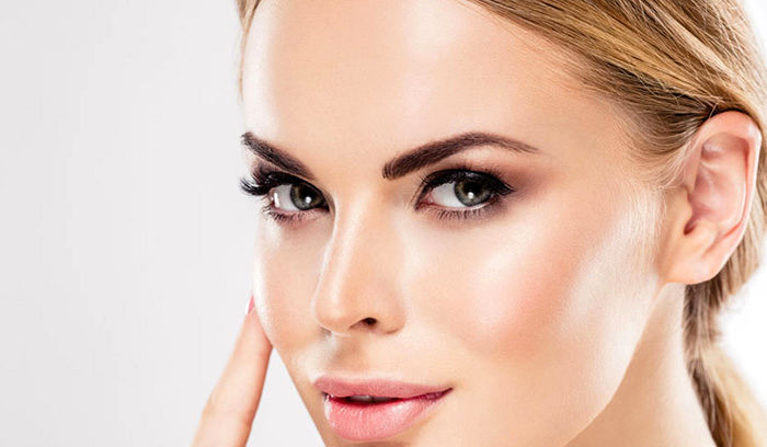 چه غذاهایی به جوان ماندن چهره کمک میکند؟