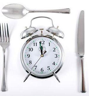 بهترین و بدترین زمان غذا خوردن برای کاهش وزن، چه هنگامی است؟