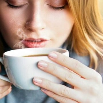 چه نوشیدنی هایی خطر سرطان را بالا می برد ؟