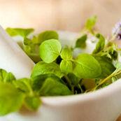 انواع گیاه درمانی برای کاهش سندروم پیش از قاعدگی