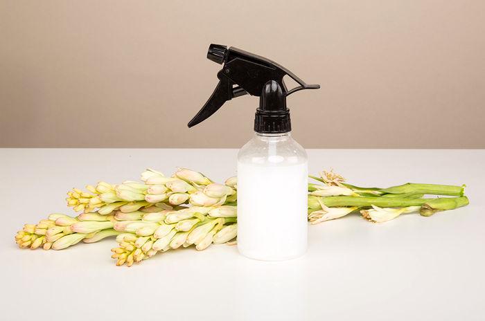 اسپری ضد گره مو در خانه درست کنید