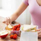 مصرف کربوهیدرات و پروتئین برای ثابت نگه داشتن قند خون در دوران قاعدگی
