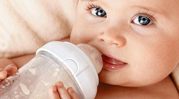 آیا شیر مادر با شیر خشک قابل مقایسه است؟