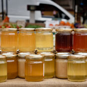 چطور عسل غیر طبیعی را از عسل خام تشخیص دهیم