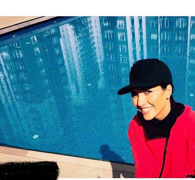 خاطره اسدی در حال شنا در استخر + عکس18+
