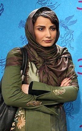 دامن کوتاه و پای برهنه سمیرا حسن پور+ عکس